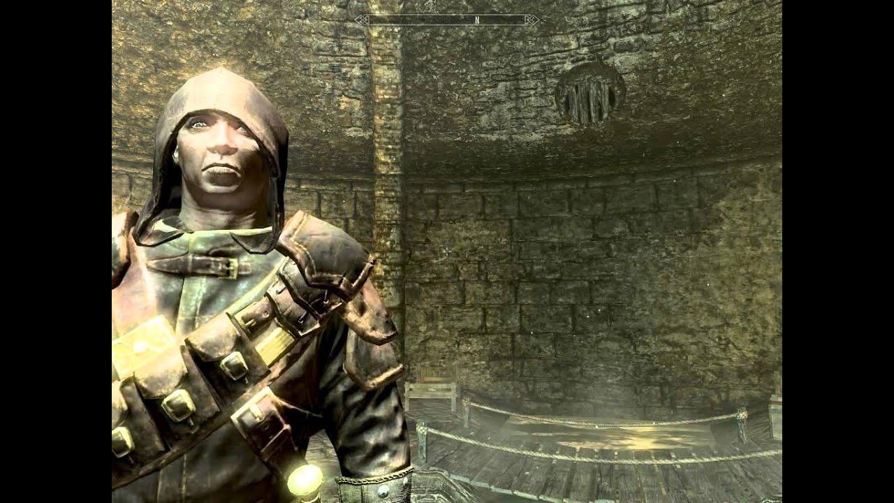 Skyrim Bug Vampire Wearing The Thieves Guild Hood Youtube