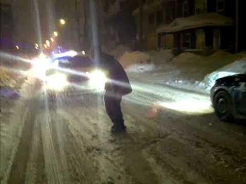 Priceless - Funny guy mooning police car