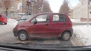 Cars are moving without drivers / Car Crash Compilation