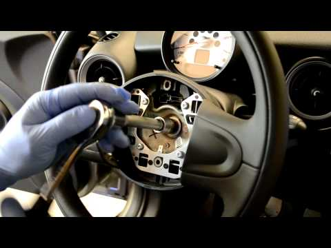 Mini Cooper R56 steering wheel & airbag removal