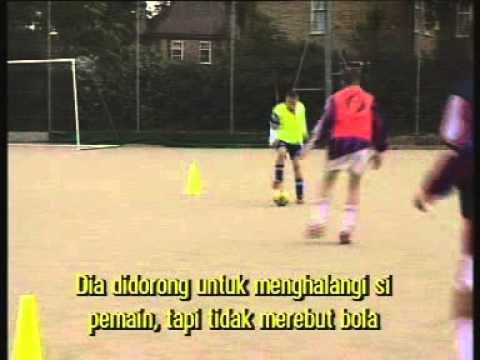 Video Cara Bermain Sepakbola Dengan Baik Dan Benar - Mengoper Bola 1 ...