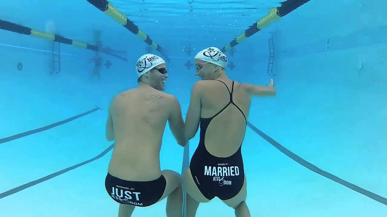 Wallpaper Of Boy And Girl Kiss Doing The Underwater Newly Wed Wiggle Youtube