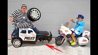 ضابط الشرطة سينيا يساعد على التقاط لص