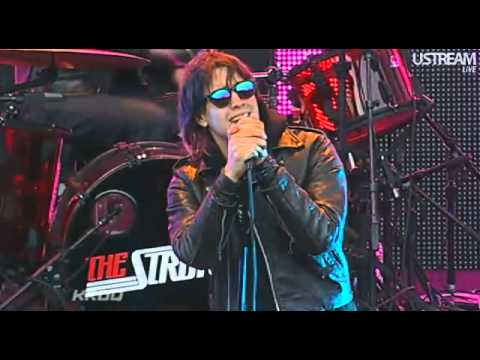 The Strokes - Under Cover of Darkness [2011-06-04]