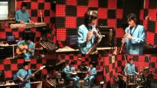 Hari Raya Music Malaysia - Suasana Hari Raya Instrumental Cover - Anuar Zain & Elina (1986)