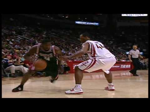 Yao Ming and Yi Jianlian Play Each Other For First Time In NBA | 11.09.2007