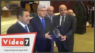 هندسة عين شمس تكرم خريجيها من الوزراء والمسؤولين