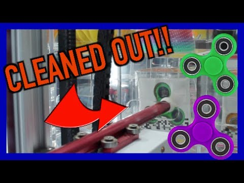 WON ALL THE FIDGET SPINNERS FROM THIS ARCADE GAME!!!