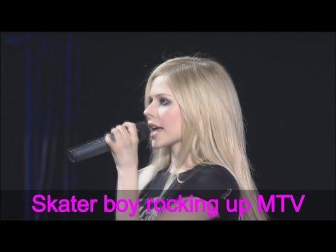 Avril Lavigne - Sk8er Boi - Live + Lyrics
