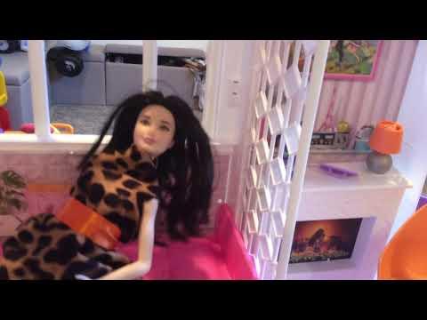 Indoraptor Attacks Barbie