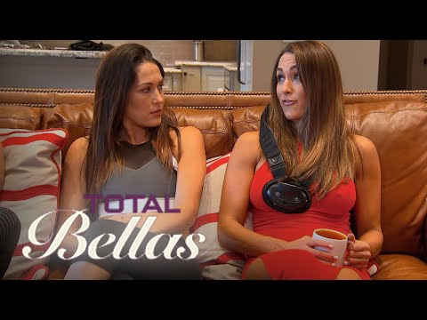 Daniel Bryan Loses His Cool With Brie & Nikki Bella | Total Bellas | E!