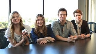 Cast of House of Anubis Secrets from Set