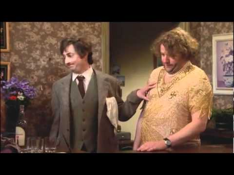 That Mitchell And Webb Look - Sequel To The Drunk Hotel Sketch - YouTube