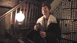 Ollivanders Wand Shop show in Diagon Alley at Universal Orlando
