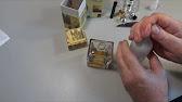Атомайзеры для духов – это стильный резервуар для хранения запахов. Говоря проще – колба из плотного стекла с пульверизатором. Стандартный объем этого изобретения – 5 мм (больше в дорогу и не нужно). Он снискал популярность благодаря своей практичности и безопасности для содержимого.