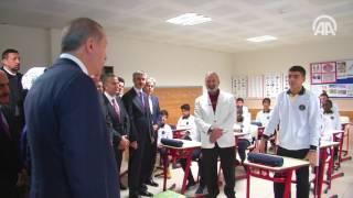 Cumhurbaşkanı Erdoğan, öğrencilerle sohbet etti