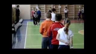 Урок физкультуры, футбол, 3 клас