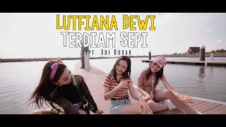 Download Lutfiana Dewi - Andaikan Waktu Bisa Kuputar Kembali (Official Music Video ANEKA SAFARI)