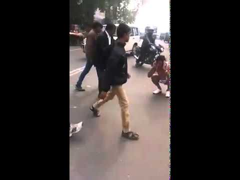 Banwarilal kanchal beaten by lawyers  in Lucknow