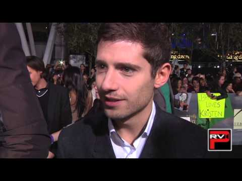 Julian Morris talks Pretty Little Liars at Twilight Breaking Dawn Pt. 2 premiere