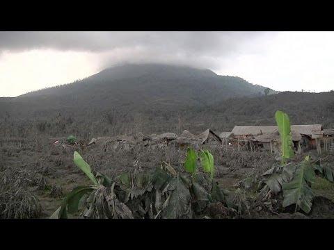 Eruption du volcan Sinabung: plus de 28.000 Indonésiens déplacés