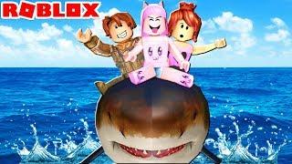 CARONA NO TUBARÃO GIGANTE (Roblox- SharkBite)