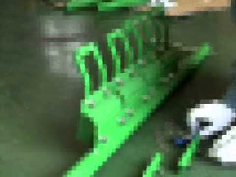 ベルトクリーナー「ベルバーンH型」チップの交換要領