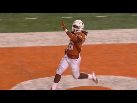 Texas' Malik Jefferson With Scoop And Score | CampusInsiders