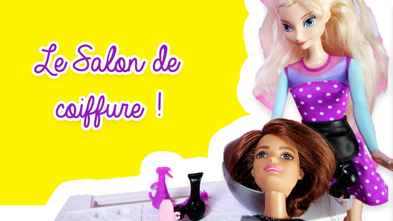 Barbie Se Rend Au Salon De Coiffure D'Elsa! Kit Salon De Coiffure Barbie!