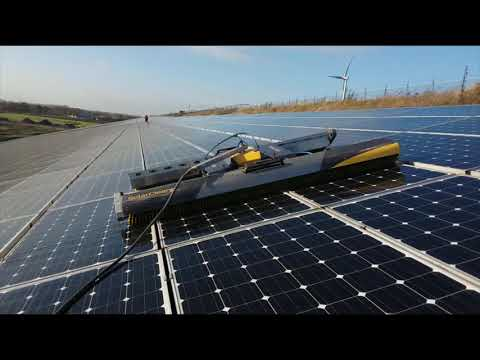 VOLTANET - CLEANING SOLAR PANELS WITH 2 ROBOTS ON THE SAME ROOF