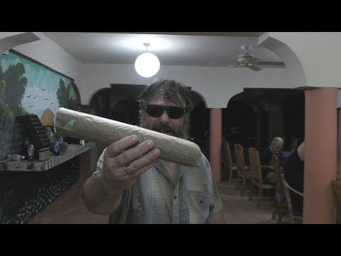 ROLLING A HALF POUND JOINT IN JAMAICA!