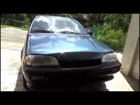 Restoring Car Headlights with Toothpaste with baking soda