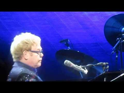 Elton John - Goodbye Norma Jean  The Boston Garden 11.12.13