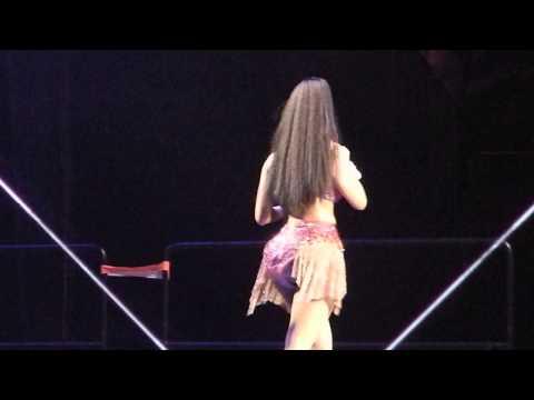 Nicki Minaj - Make Me Proud (Live @ Barclays)