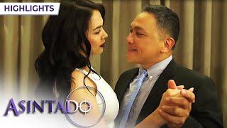 Asintado: Ana distracts Salvador | EP 40 thumbnail