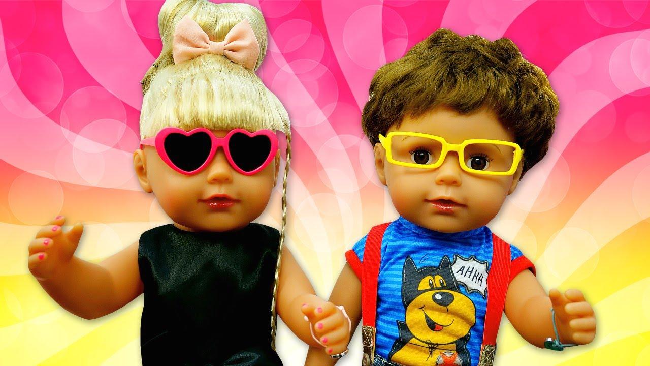 La hermanita Baby Born va al baile. Muñecas Baby Born en español. Vídeos de juguetes para niñas.