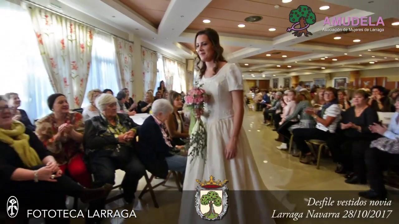 36f0d803f5 Desfile de vestidos de novia por AMUDELA 28 10 2017  Larraga  Navarra