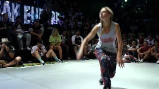 Outbreak Europe 2015 1vs1 Bgirl Semifinal | Sunny (USA) vs Melisa (Belarus)