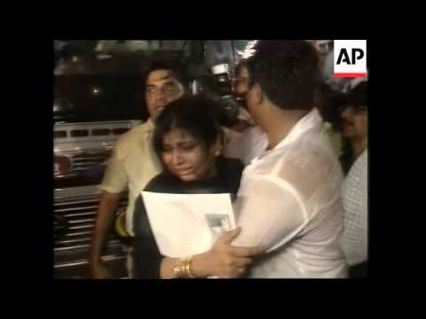 Families reunited as India-Pakistan bus resumes