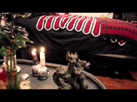 Bedroom Tour - Lillth's Gothic Lolita Room Tour!