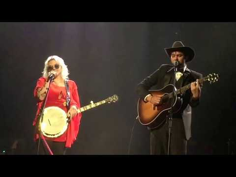 Shakey Graves and Elle King