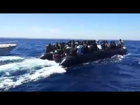 Immigrants from Greece to Italy له يونان نه ايټاليي ته