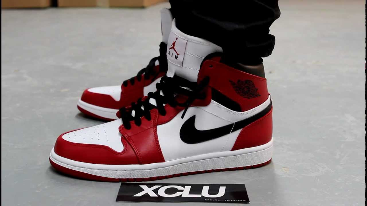 air jordan 1 bulls on feet