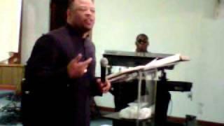 Apostle McIntosh @ Ruach Revival 2010 pt 8.3GP