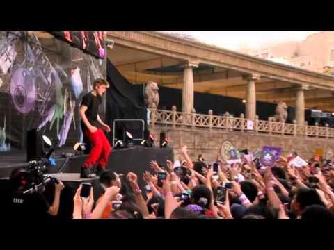Never Say Never   live in Malaysia   Justin Bieber  MTVLA.mpg