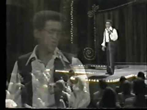 Sammy Davis sings Sweet Beginnings & I've Gotta Be Me