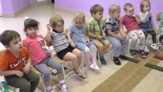 """К. Сен-Санс """"Карнавал животных. Куры и петухи. Ослик. Птичник."""" Группа 5 (дети 2-3 лет)"""