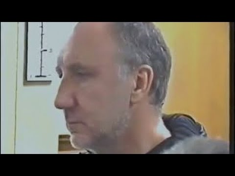 Pete Townshend gets angry with Interviewer.