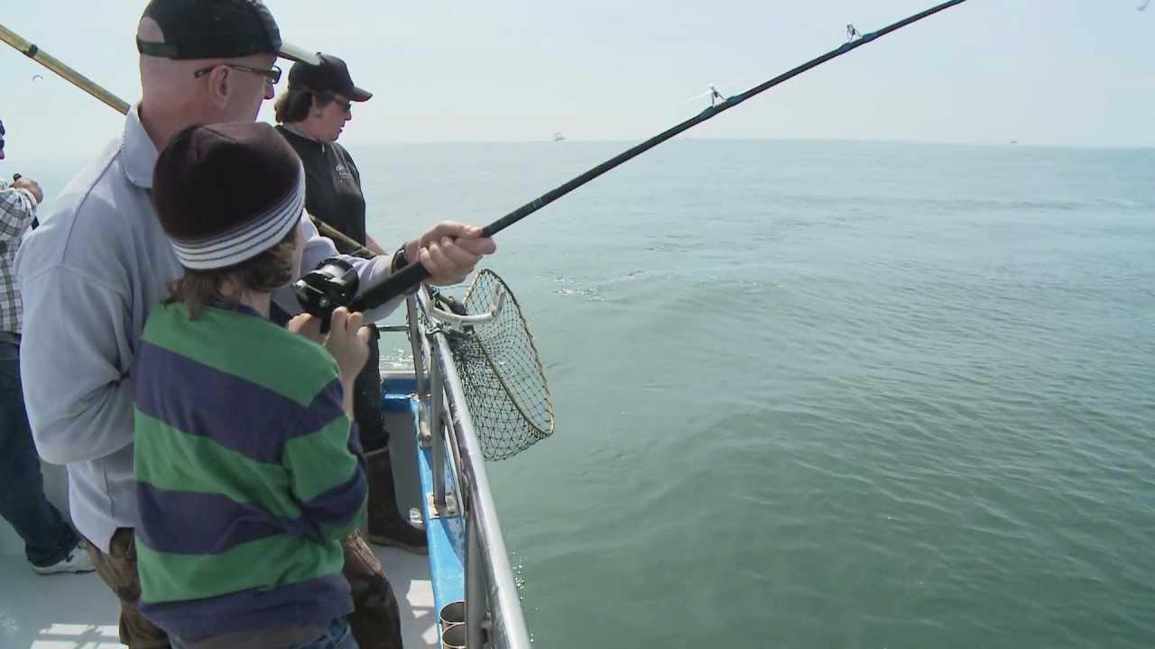 Huli cat sport salmon fishing half moon bay california for Half moon bay fishing report