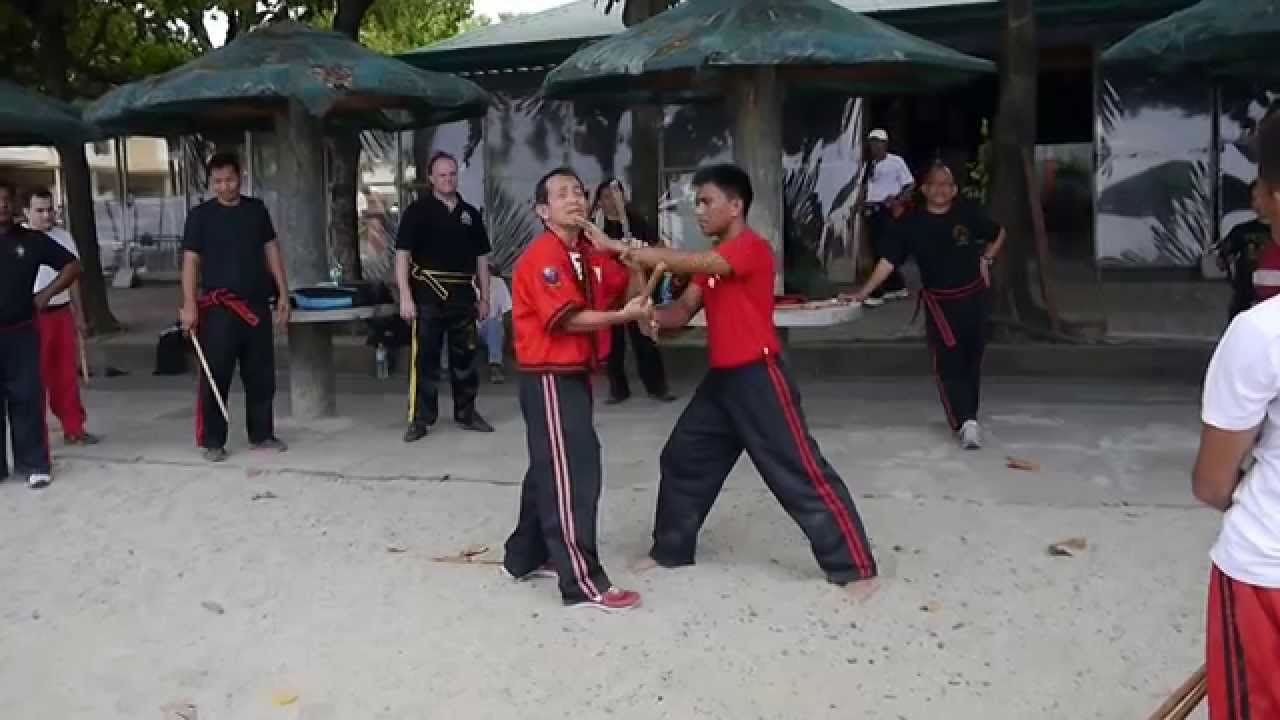 GM Bambit Dulay Lakan Siyam (9. Dan) demonstrated Arnis ...